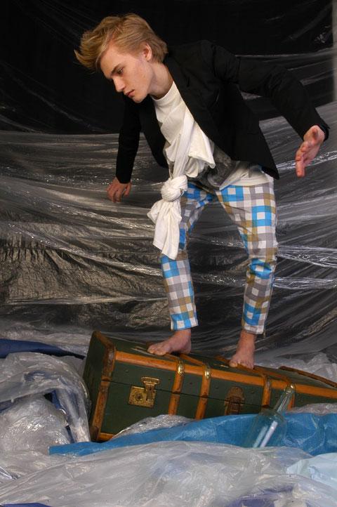 """Give Me Some Deep Water"" - Makin Jan Ma Fall 2009"