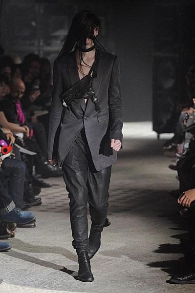 Paris Fashion Week   Julius Fall 2010
