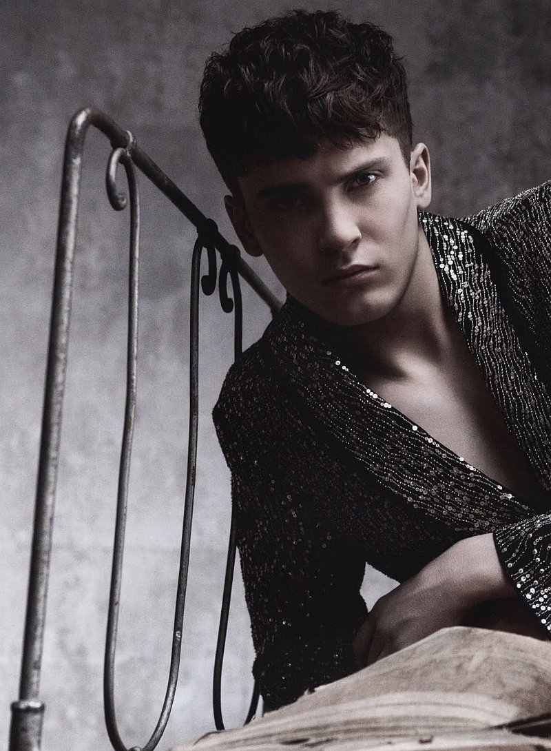 L'Officiel Hommes Germany #1 | Feel the Surface by Andreas Larsson