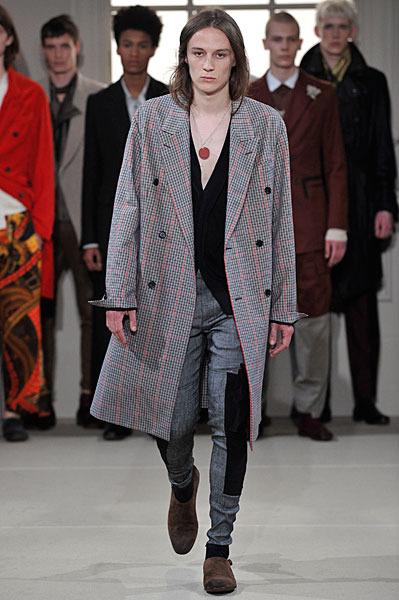 Alexander McQueen Spring 2011 | Milan Fashion Week
