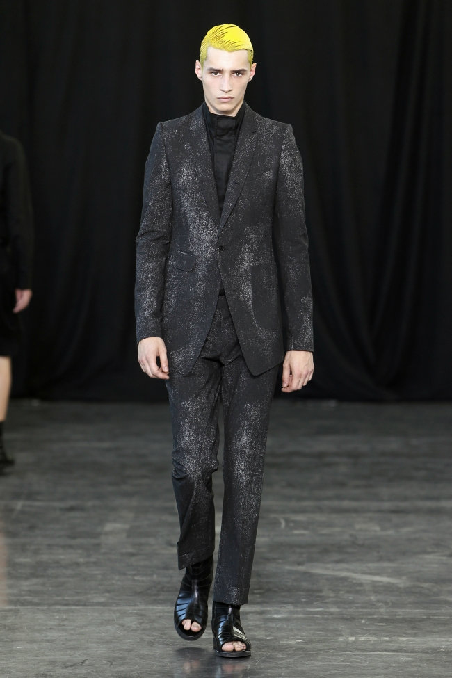 Songzio Spring 2012 | Paris Fashion Week