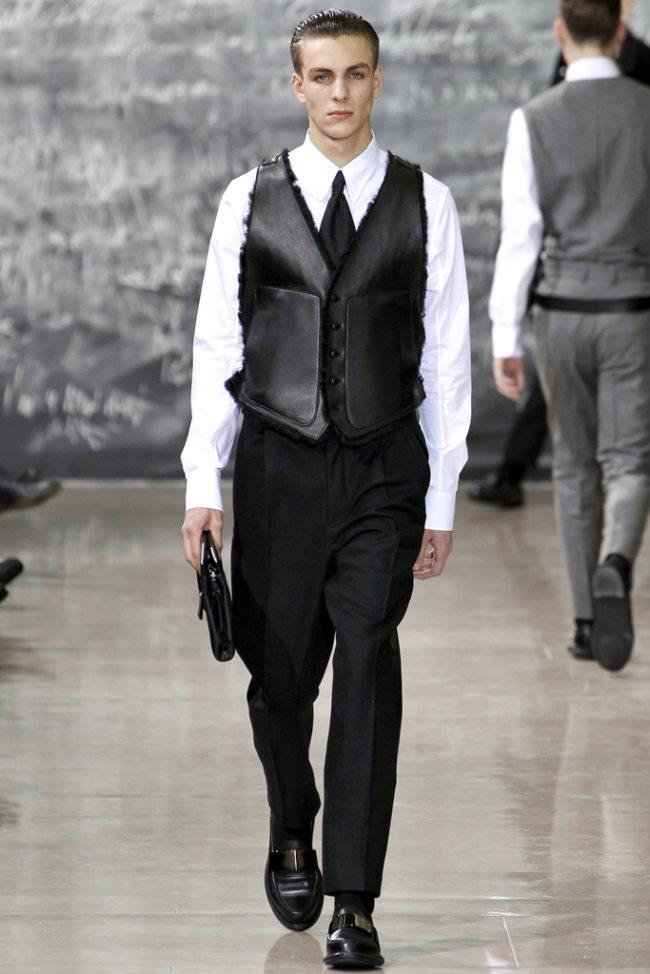 Yves Saint Laurent Fall/Winter 2012 | Paris Fashion Week image