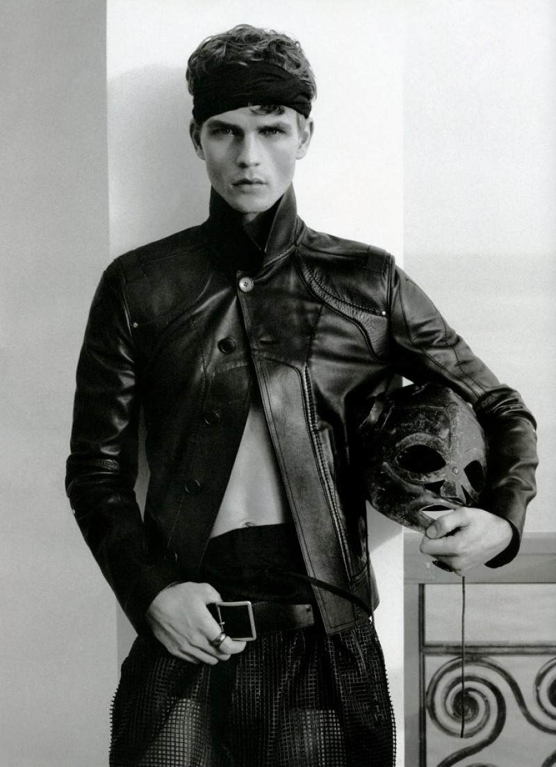 Numero-Homme-Fashion-Editorial-001
