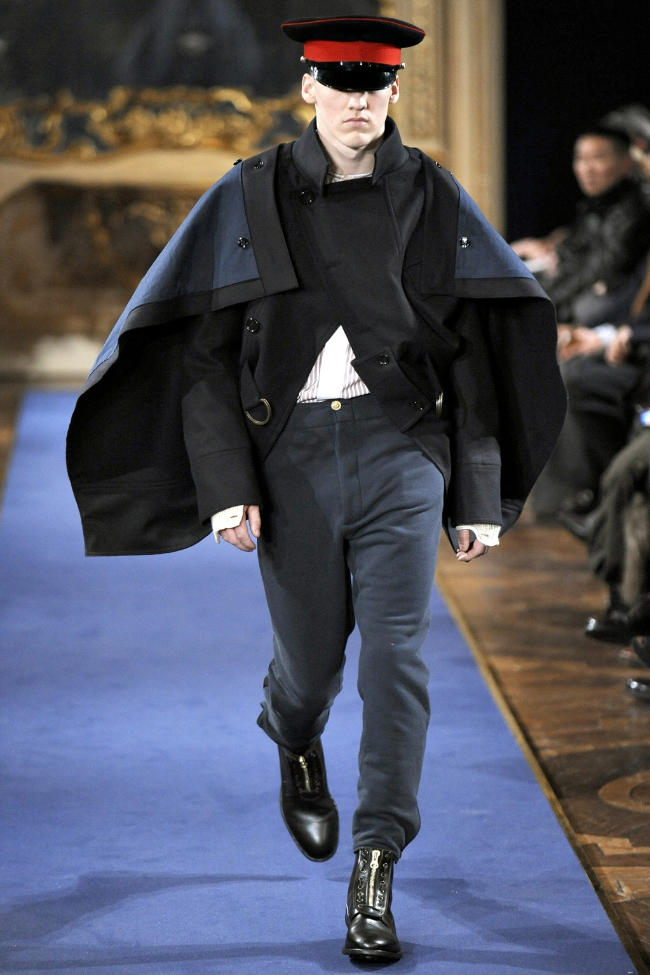 Alexander McQueen Fall 2011 | Milan Fashion Week