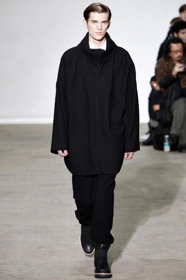 Kris Van Assche Fall 2011 | Paris Fashion Week