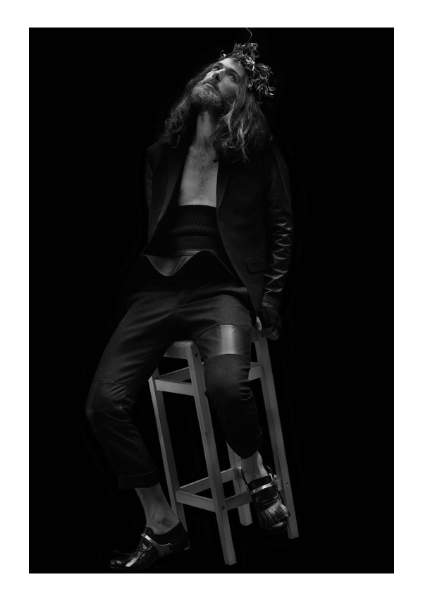 Will Lewis by Aline & Jacqueline Tappia for >bmm