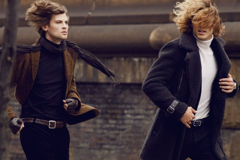 Taylor Fuchs & Mihaly Sepreny by Alexander Neumann for Vogue Mexico Hombre