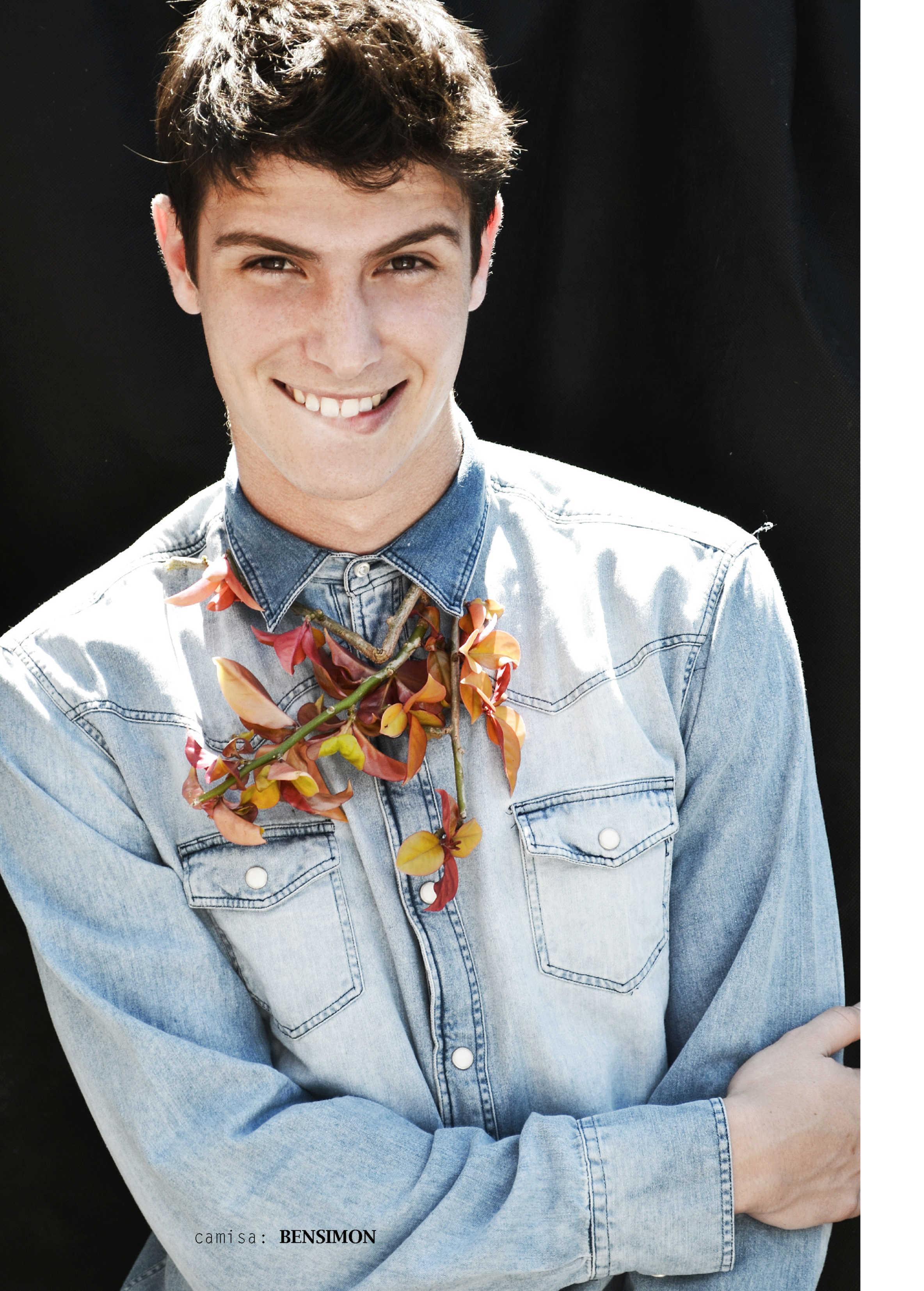 Ari Mendes Lenses a Playful Joaco Carreira for Reflex