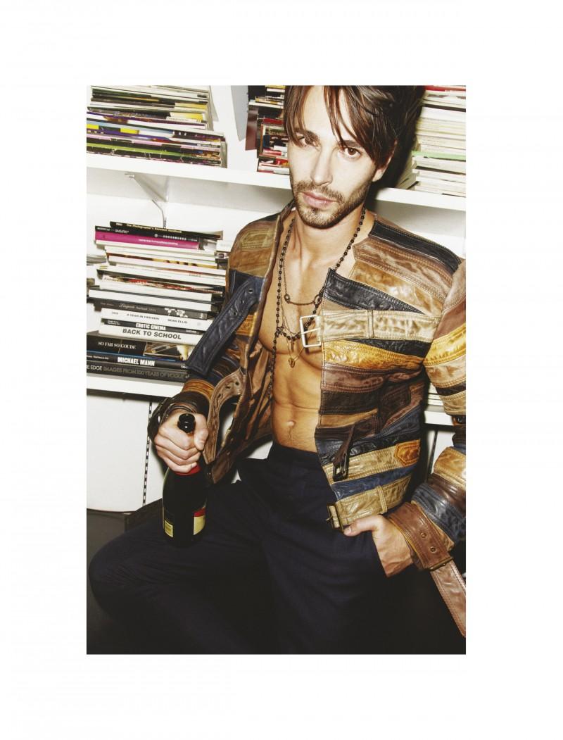 122-131_Zahm Fashion_Dec125