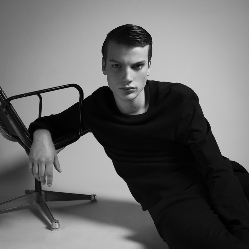 Felix Hermans in 'Tears Apart' by Ruben Tomas for Fashionisto Exclusive