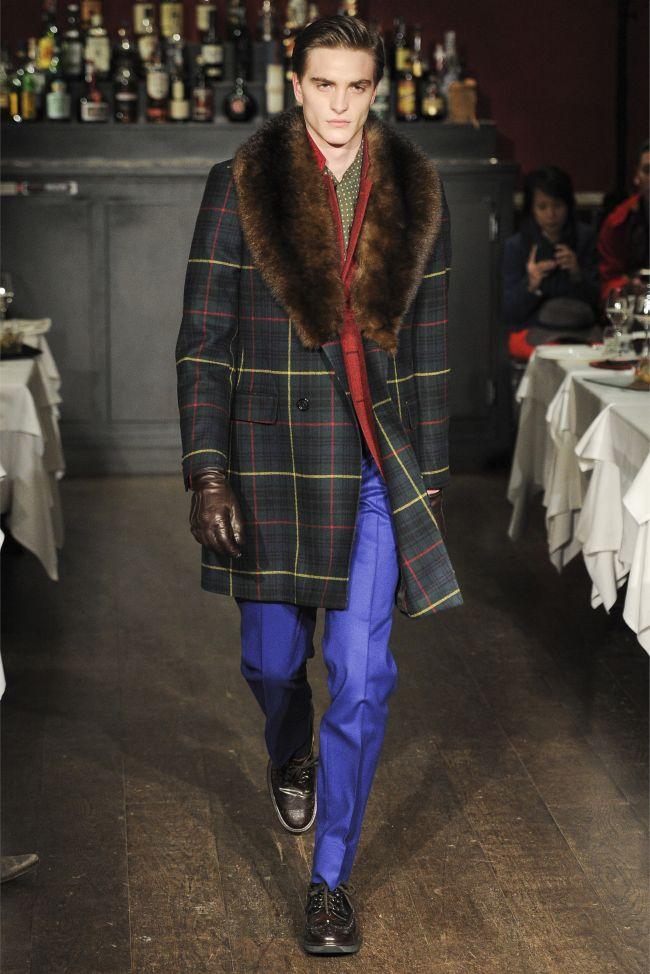Moschino Fall/Winter 2013 | Milan Fashion Week