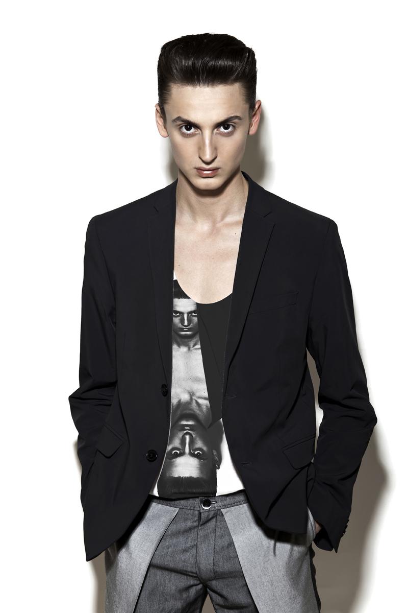 4  (jacket H&M, top Calvin Klein, trousers Piotr Drzal)