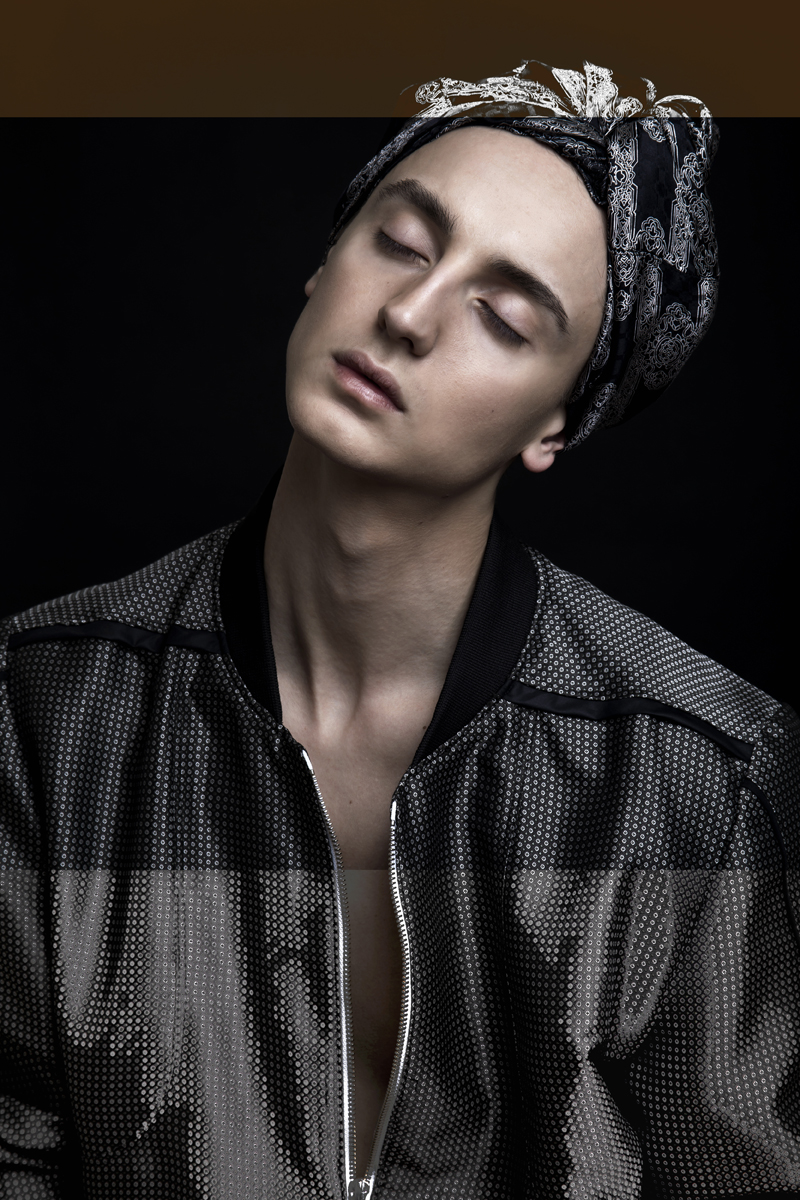 5 (jacket and shirt on head Piotr Drzal)