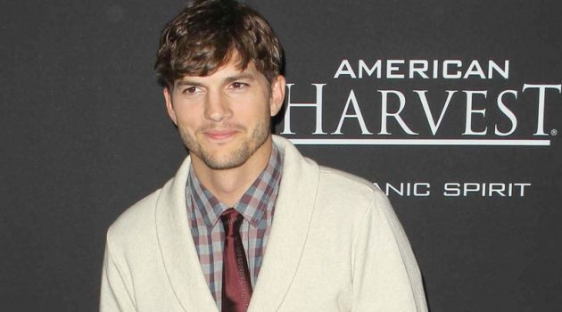 A smart vision, Ashton Kutcher attends the Los Angeles premiere of Jobs.