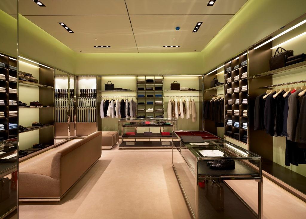 Prada Doha Villaggio Mall int4