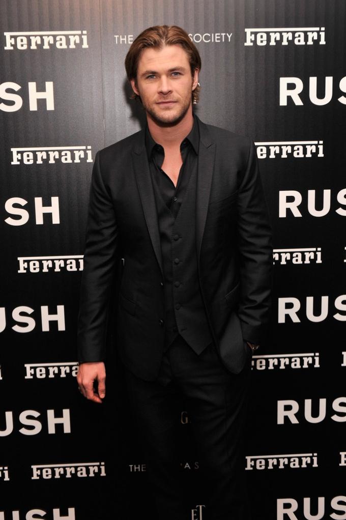 Chris Hemsworth Wears Dolce & Gabbana to New York Premiere of 'Rush'