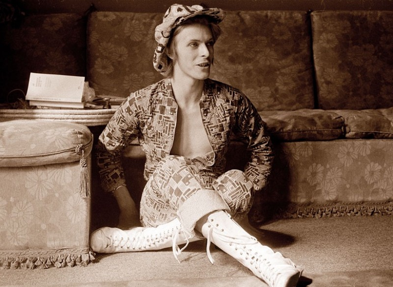 David Bowie goes bohemian for this 1972 photo.