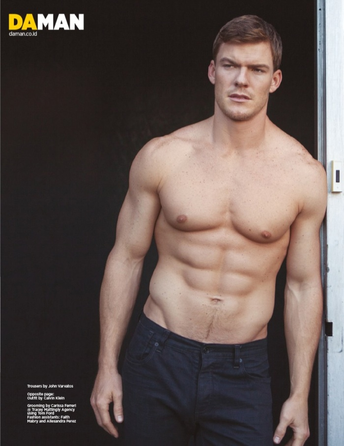 Alan Ritchson shirtless picture