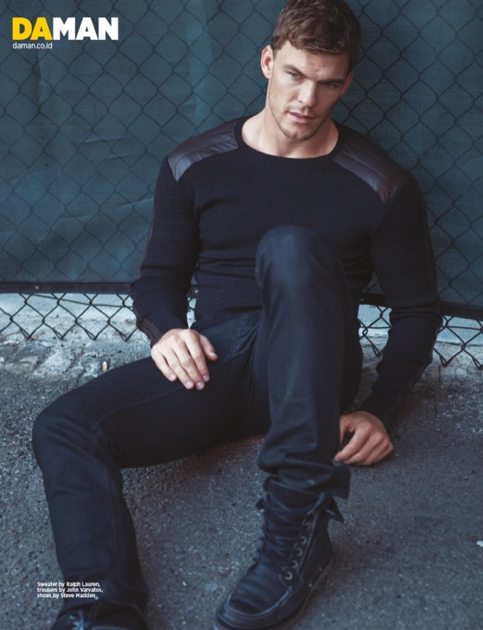 Alan Ritchson shoot