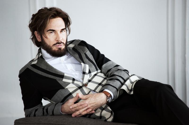 Douglas by Anna Shmel for Fashionisto Exclusive