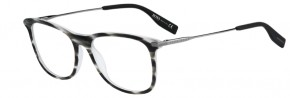 See Jon Kortajarena Master the Light in a New Hugo Boss Eyewear Feature image hugo boss eyewear photos 007 290x98
