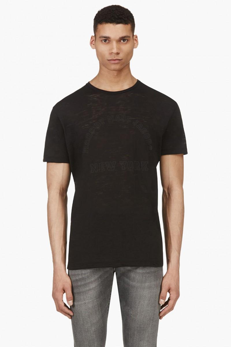 Men in Black: 5 Casual Black Wardrobe Essentials