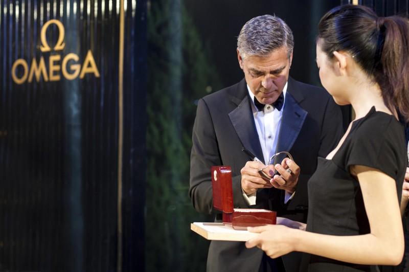 George-Clooney-Omega-002