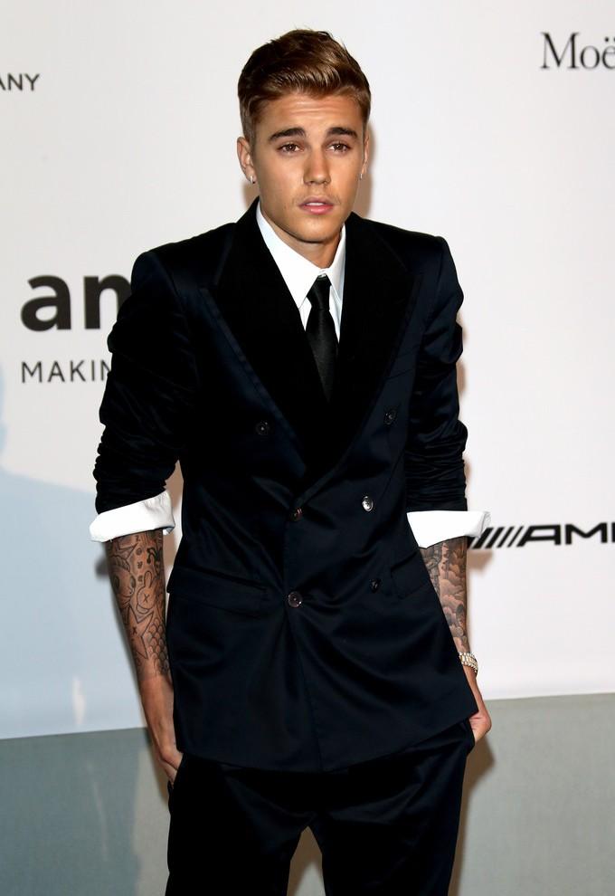 Justin-Bieber-Suit-001