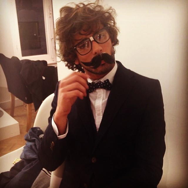 Marlon Teixeira has fun behind the scenes of a shoot