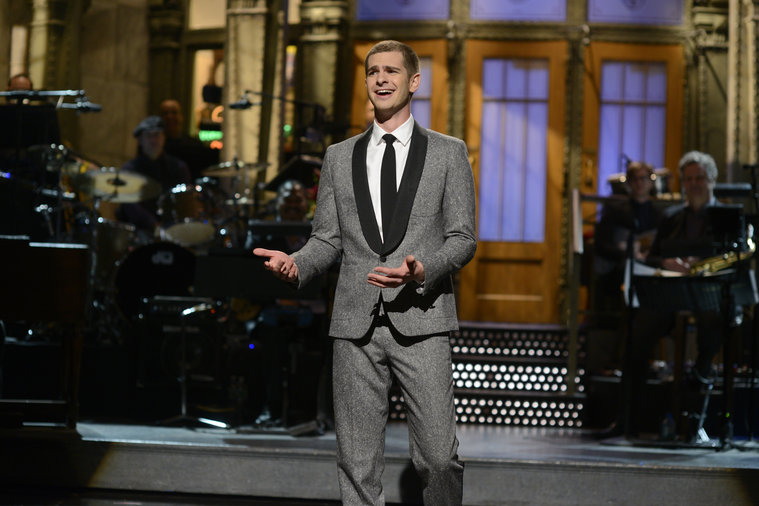 Andrew Garfield Wears Band of Outsiders to Host SNL