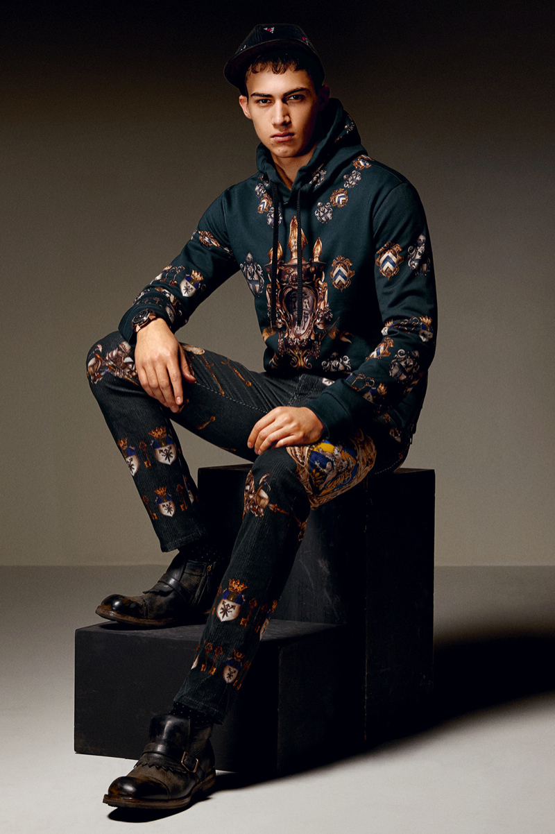 Dolce-and-Gabbana-Fall-Winter-2014-Men-Look-Book-Model-Images-096