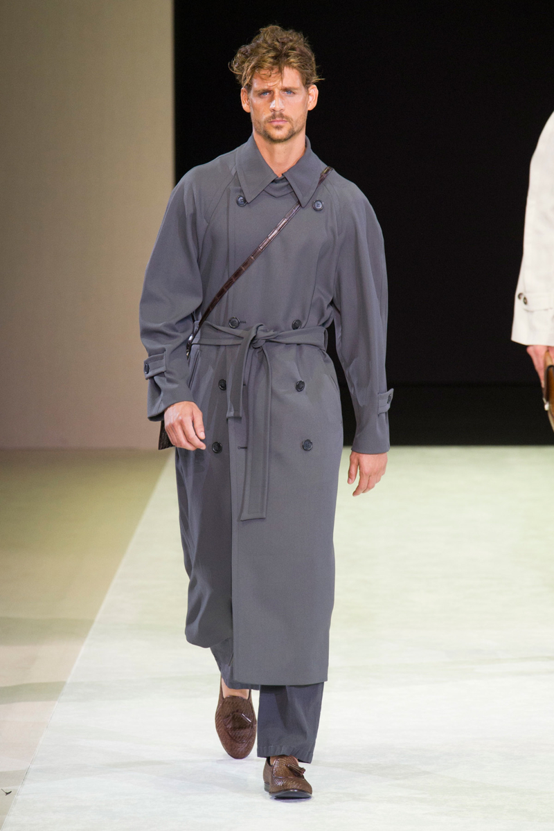 Designers like Giorgio Armani are known for their oversized, relaxed silhouettes that act as a close mimic for the larger than life coats of the 1930s.