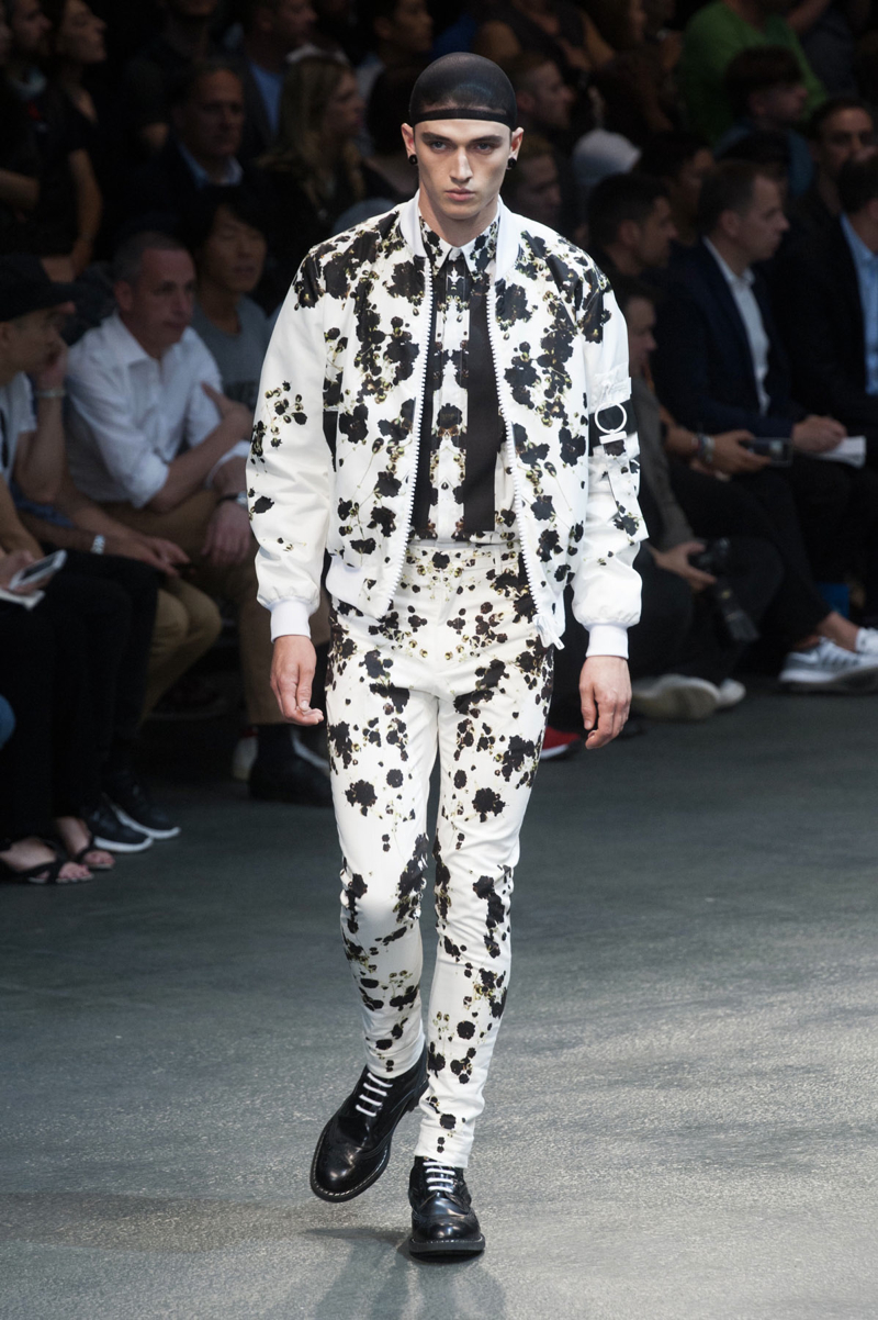 Givenchy-2015-Men-Spring-Summer-Paris-Fashion-Week-045