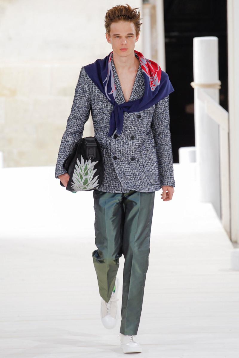 Issey Miyake Spring/Summer 2015   Paris Fashion Week
