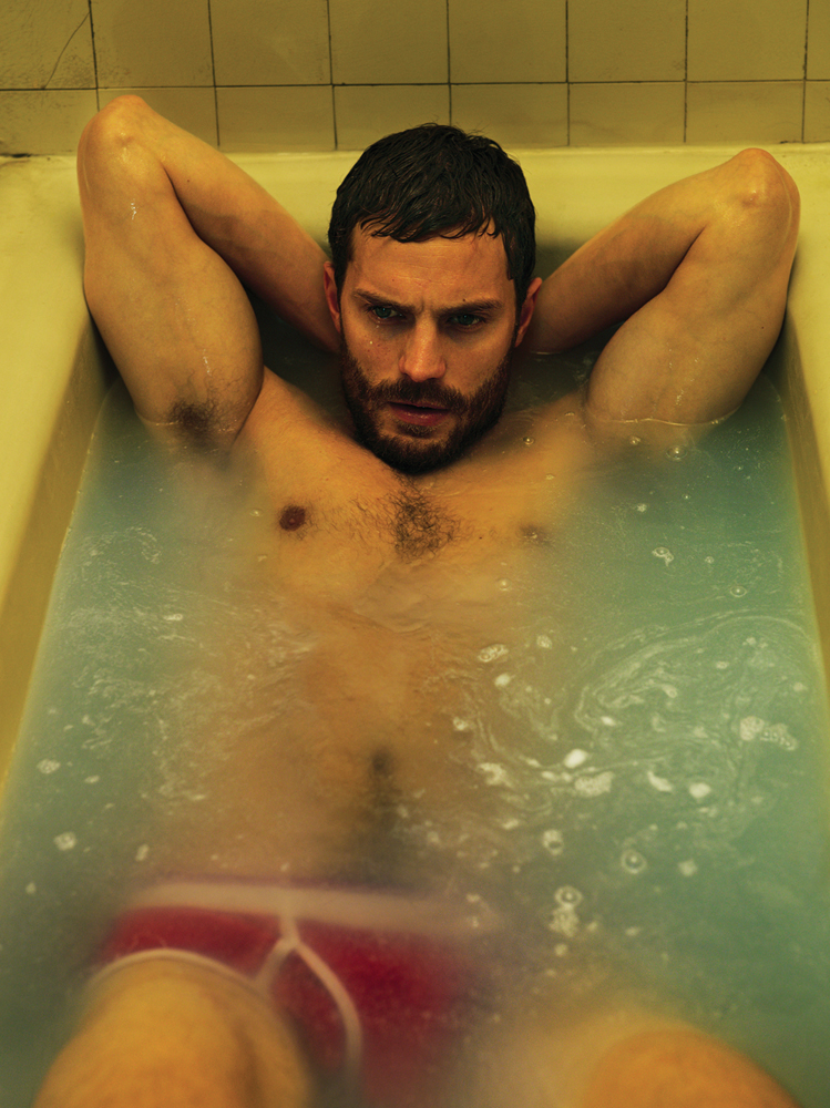 Jamie-Dornan-Interview-Magazine-Photos-007
