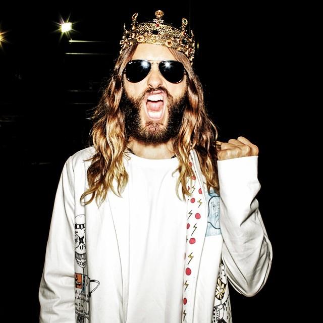 Jared-Leto-Crown-001