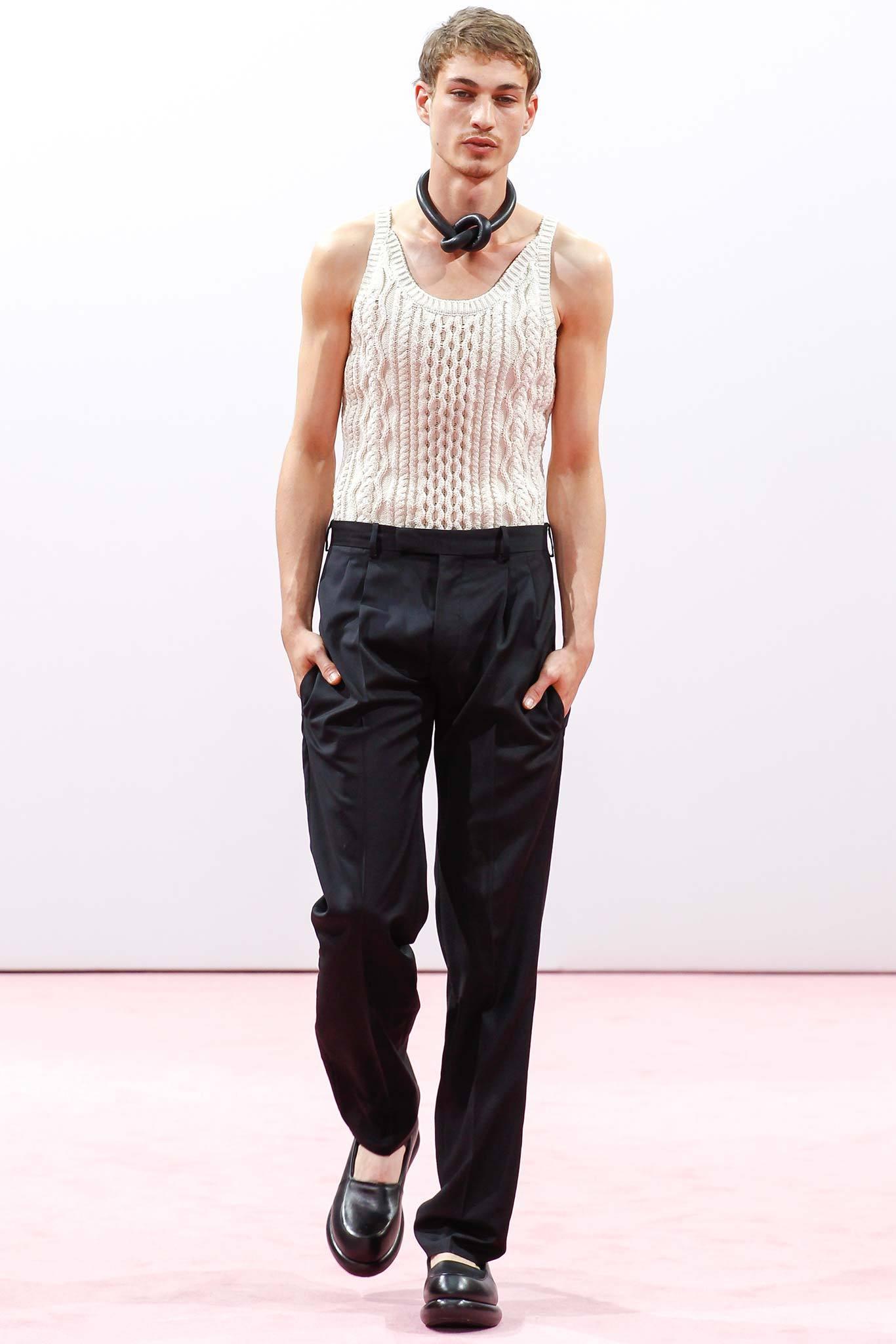 Welcome Back! Model Johannes Linder for Loewe image