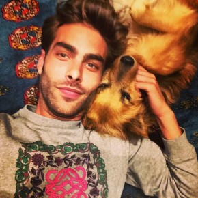 Jon Kortajarena steals a moment with his dog.