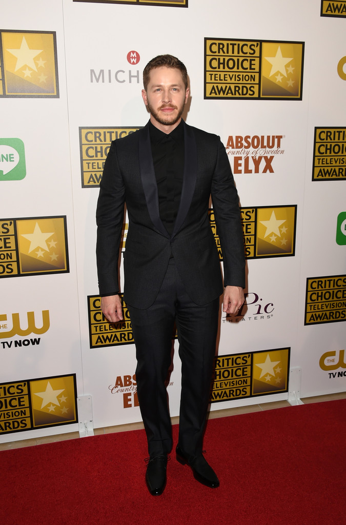 'Once Upon A Time' actor Josh Dallas shines in a shawl collar look from Z Zegna at the Critics Choice Television Awards.
