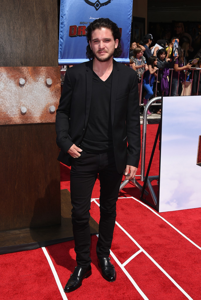 'Game of Thrones' actor Kit Harington goes for a head to toe black ensemble.