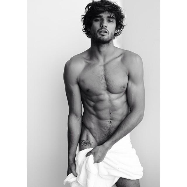 marlon teixeira poses for mario testino 39 s 39 towel series 39. Black Bedroom Furniture Sets. Home Design Ideas