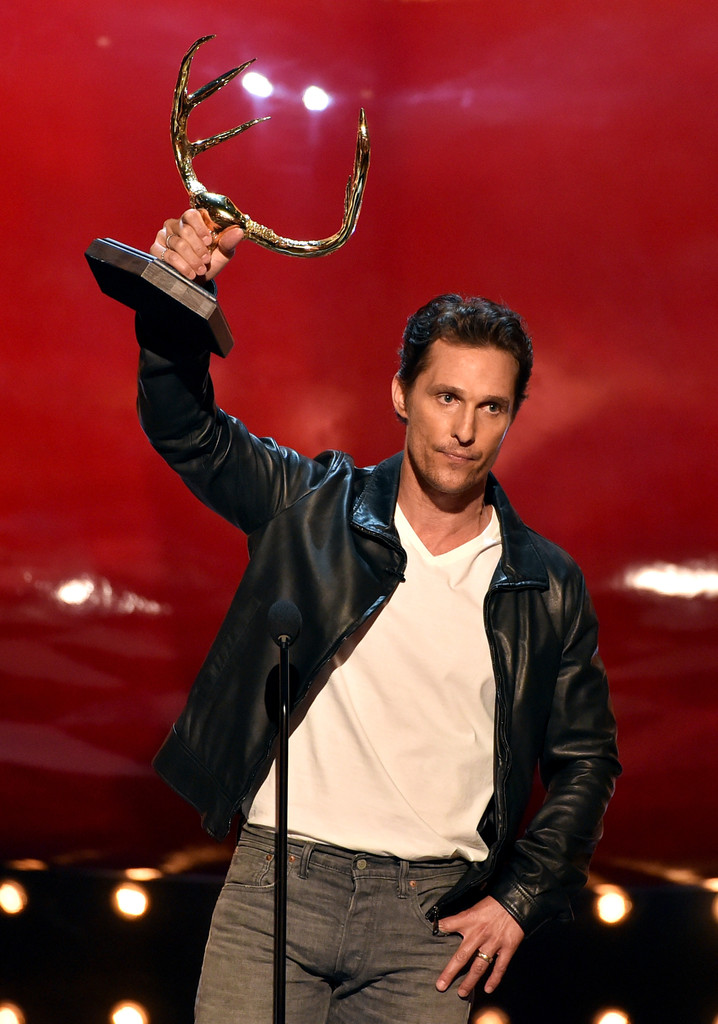 Accepting the award for 'Guy of the Year', Matthew McConaughey wears a casual look from Dolce & Gabbana.