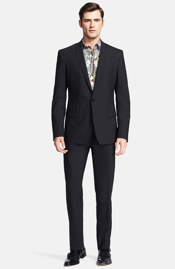 Sean O'Pry wears Dolce & Gabbana suit from Nordstrom