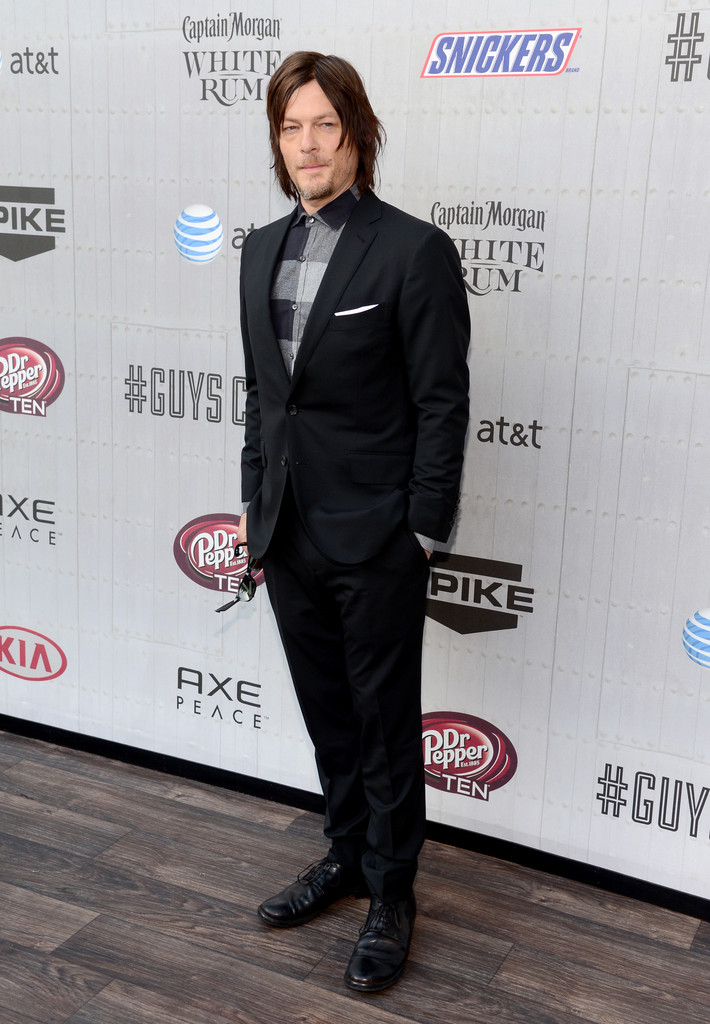 'The Walking Dead' star Norman Reedus mixes things up with a black & white buffalo check.