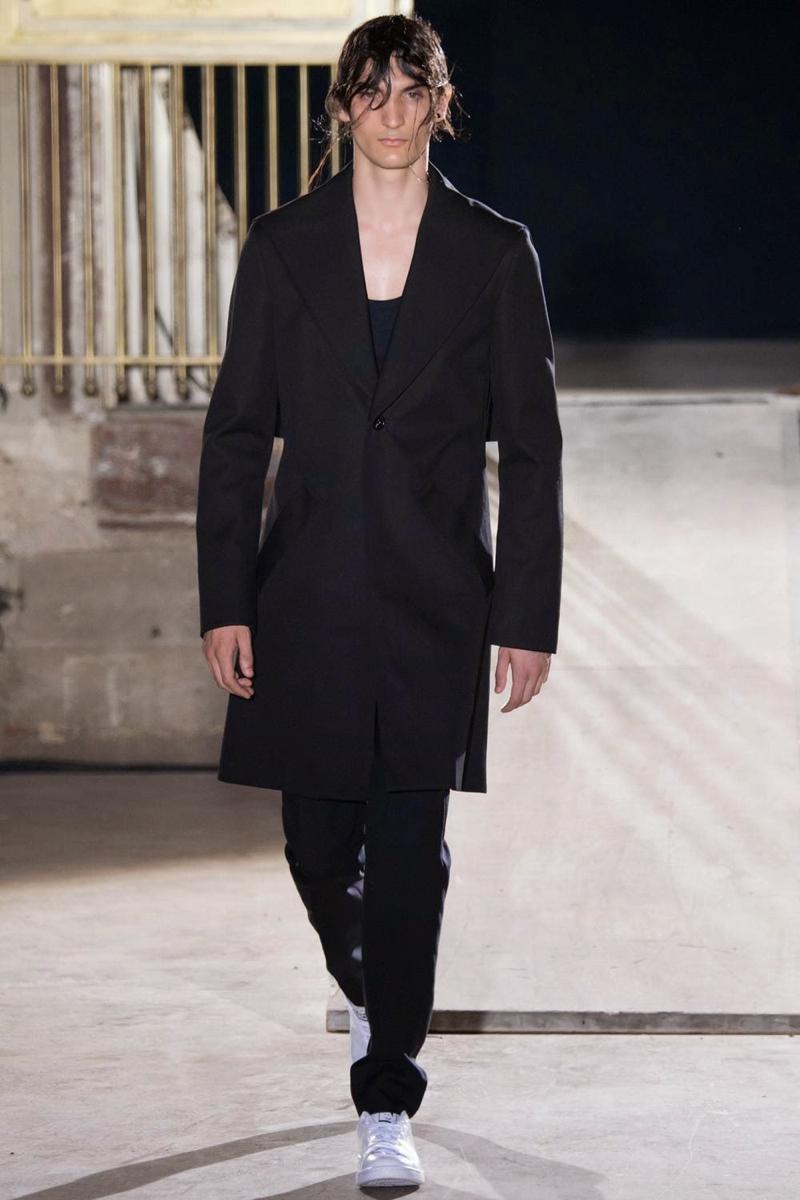 Raf-Simons-Spring-Summer-2015-Paris-Fashion-Week-001