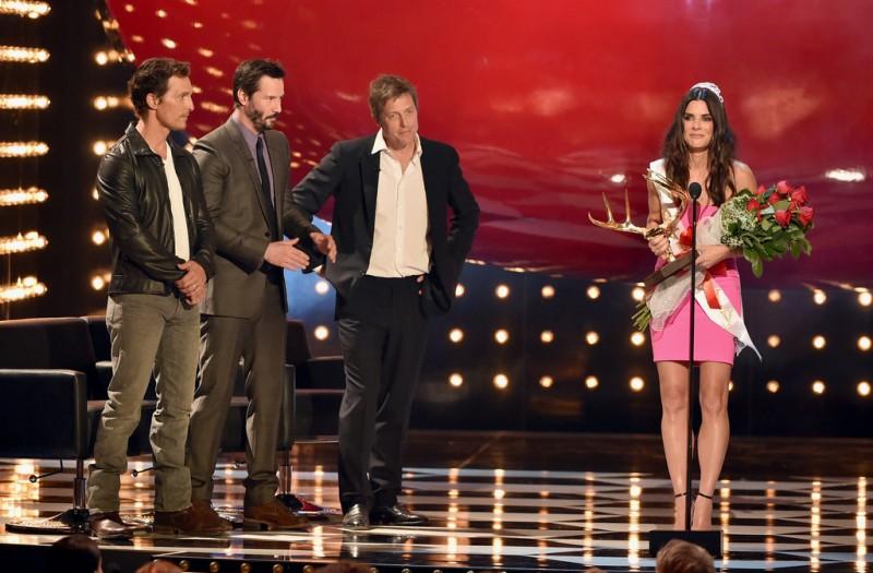Sandra Bullock accepts Decade of Hotness Award