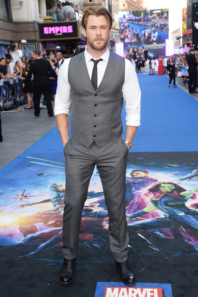 Chris Hemsworth Wears Dolce & Gabbana to 'Guardians of the Galaxy' Premiere