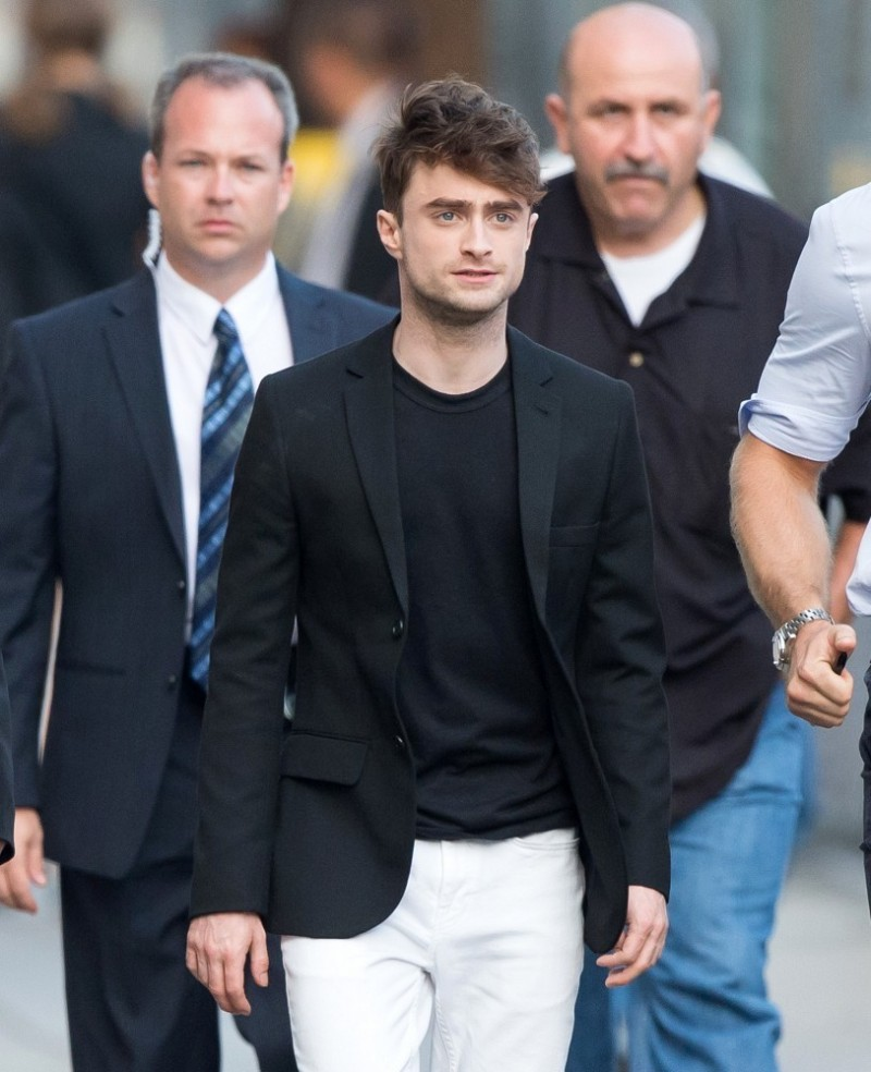 Daniel Radcliffe Is Effortless In Black Blazer White Jeans The