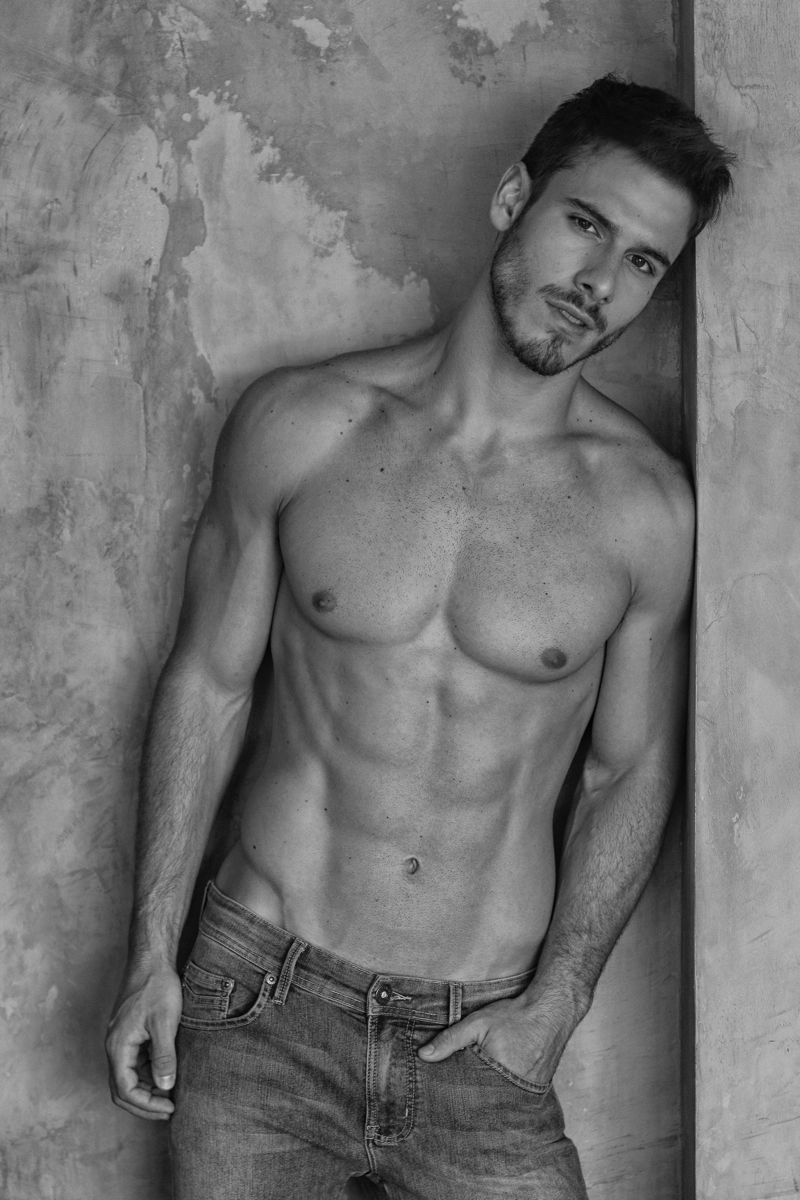 Lucas-Bernardini-Model-001