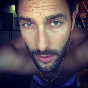 Noah Mills pops in for a new selfie.